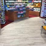 Erneuerung der Bodenbeläge in Apotheke